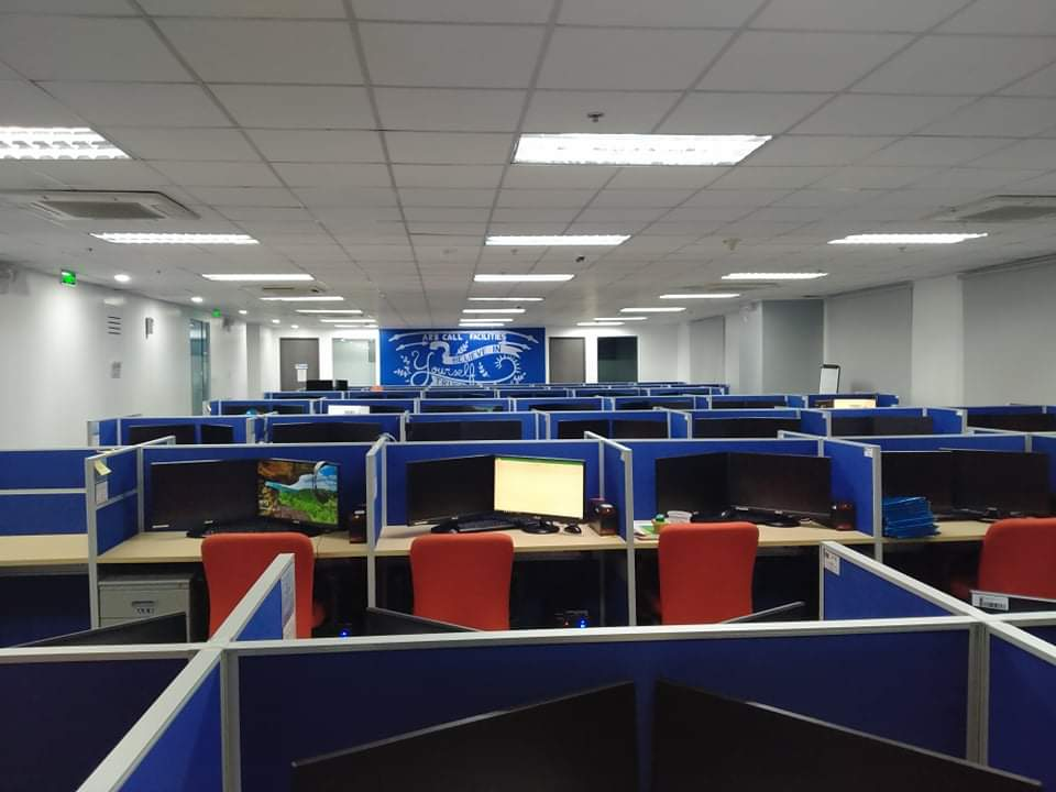195 desks at Two/NEO