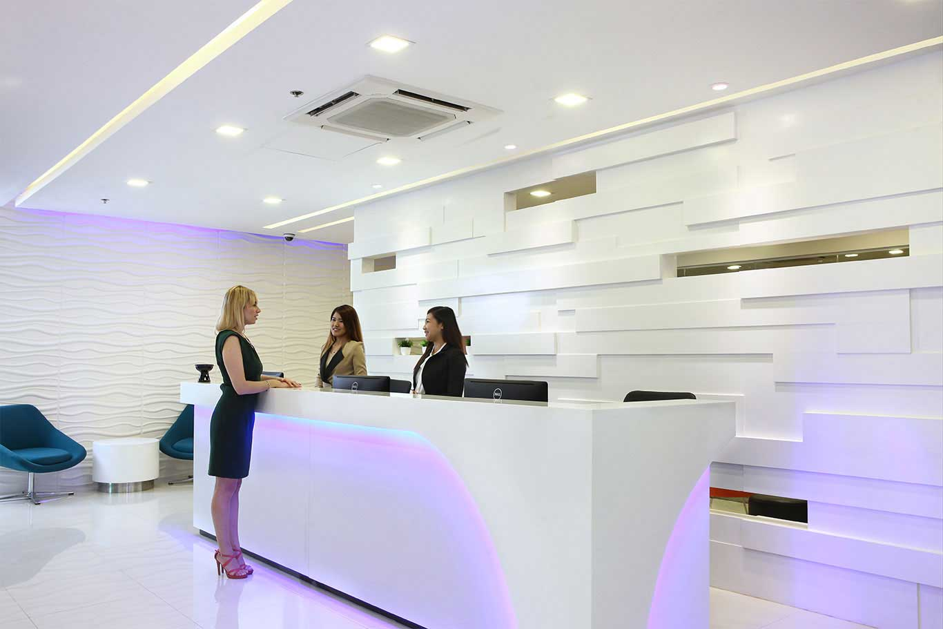 KMC-Uptown-Facility-Reception-area-for virtual office.jpg (1)